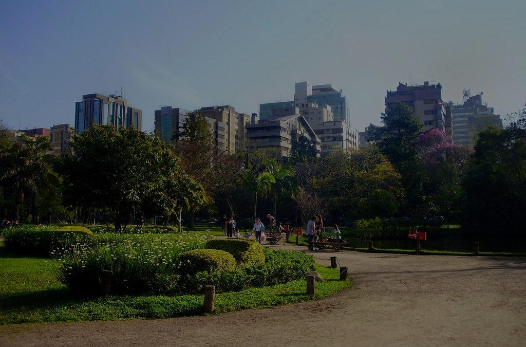 Capital estuda restringir acesso a praças e parques