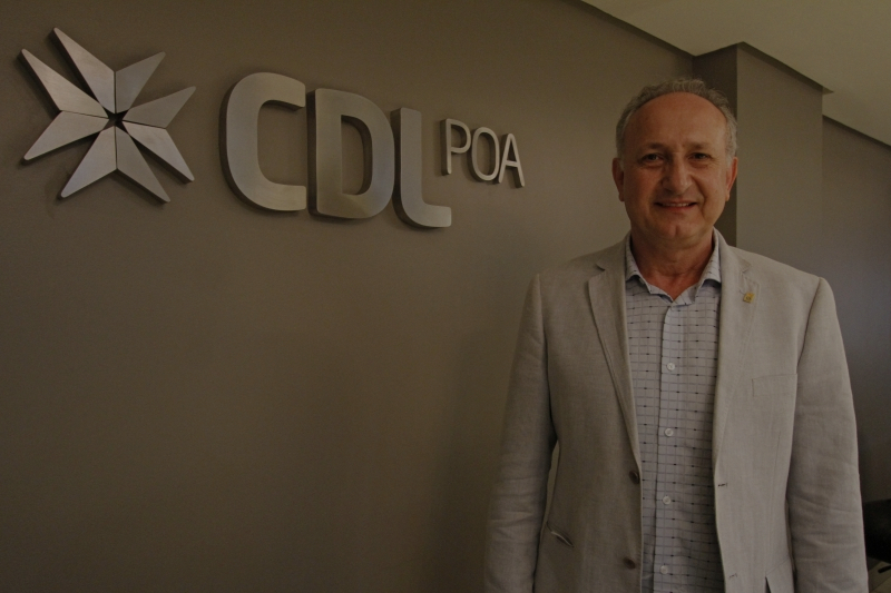 Presidente da CDL POA aborda a importância da gestão de cobrança na Revista Vitrine do Varejo, do Sindilojas Caxias